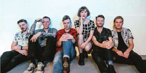 Skinny Lister / Holy Moly and The Crackers / Trapper Schoepp